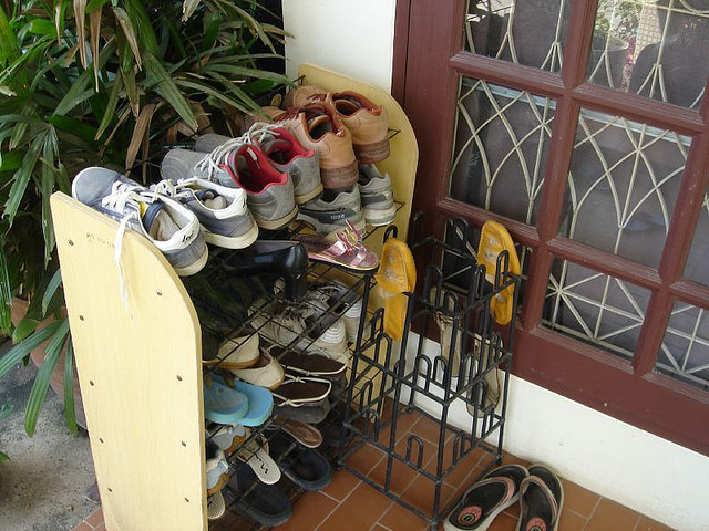 Place Shoes in a Rack